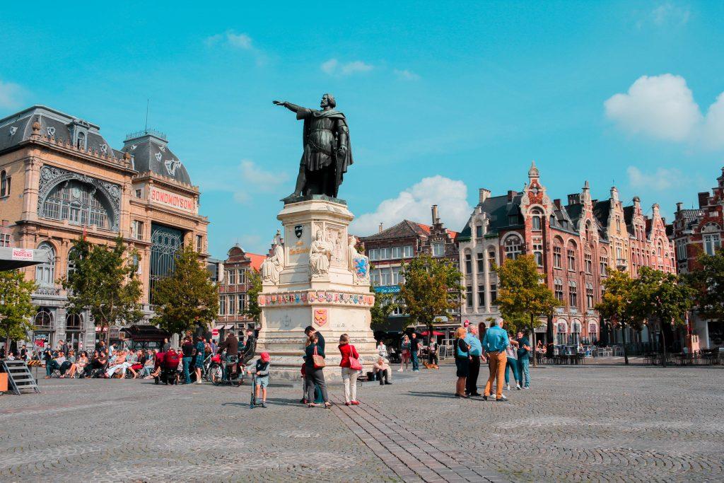 Plaza Vridamarkt en Gante, Bélgica.