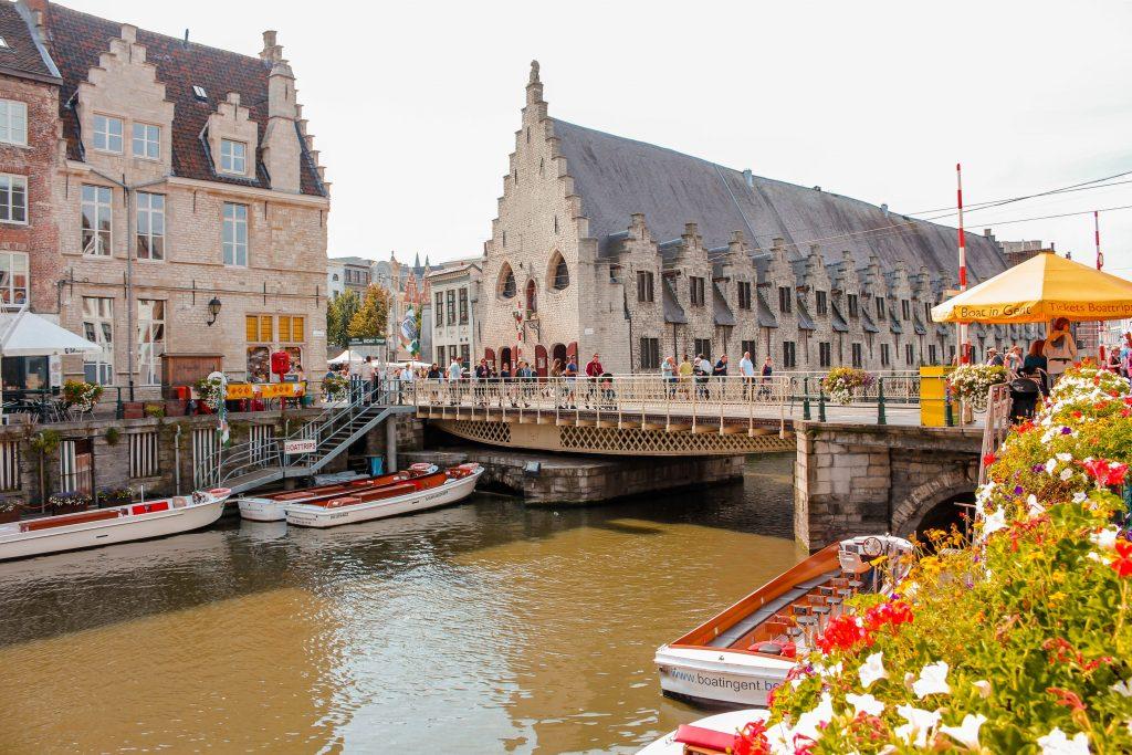 Puente de San Miguel en Gante, Bélgica.