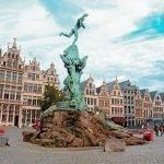Grote Markt en Amberes, Bélgica.