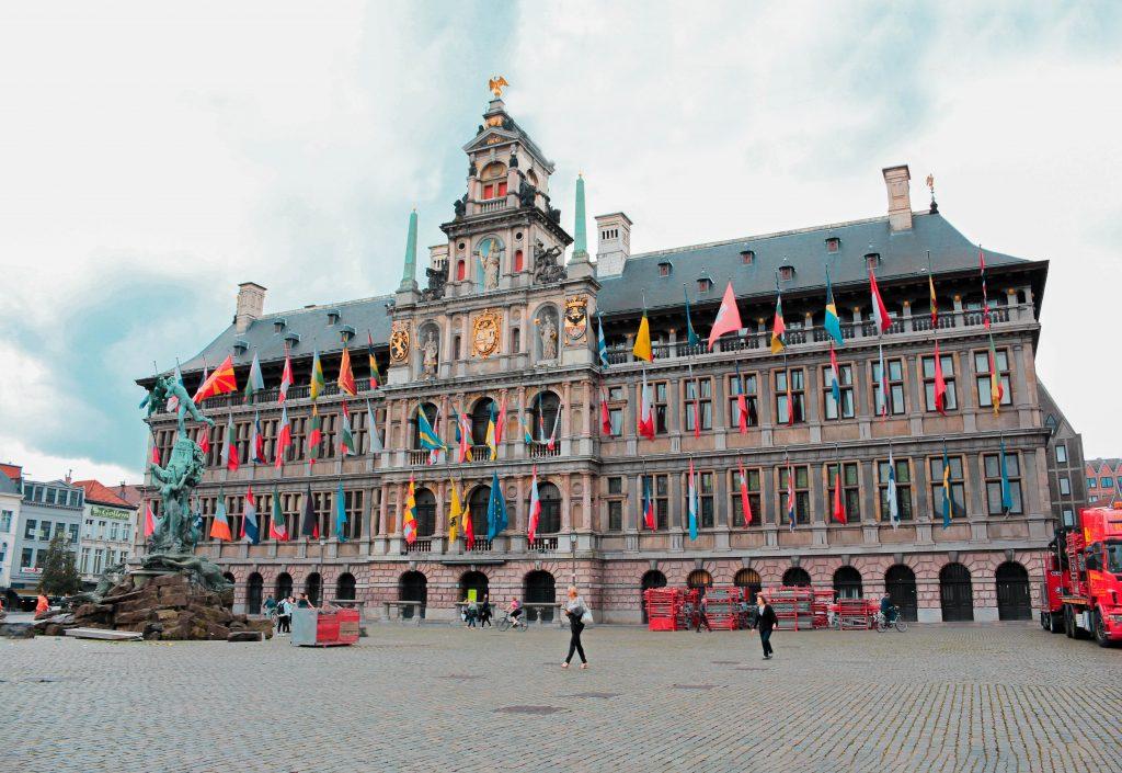 Ayuntamiento de Amberes en Bélgica.