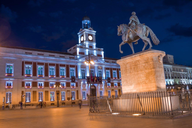 Plaza del Sol en Madrid, España.