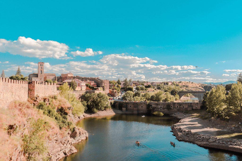 Buitrago del Lozoya. Pueblos con encanto cerca de Madrid, España.