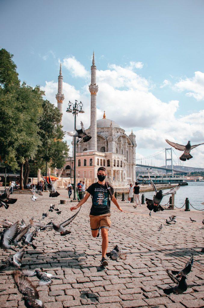Mezquita de Ortaköy en Estambul, Turquía