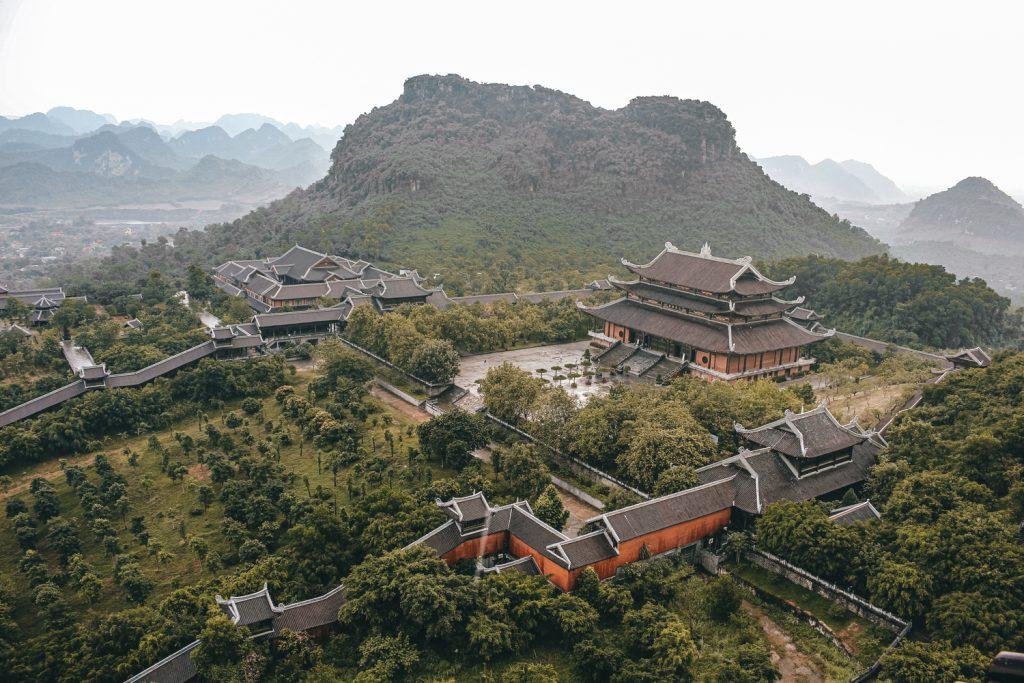 Vista general de la Bai Dinh Pagoda en Ninh Binh, Vietnam