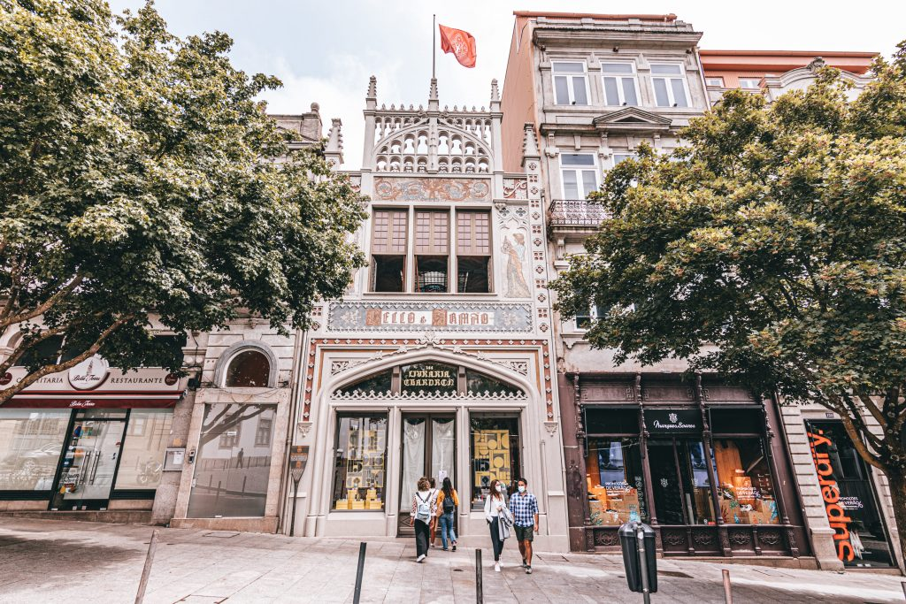 La Librería Lello e Irmao en Oporto, Portugal.