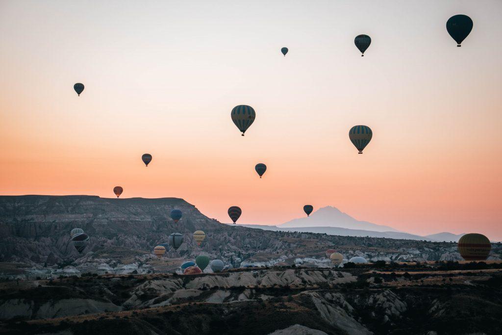 Vistas hacia el Rose Valley en Capadocia, Turquía